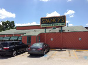 Spankys-Pizza-in-Houston-Texas_Outside