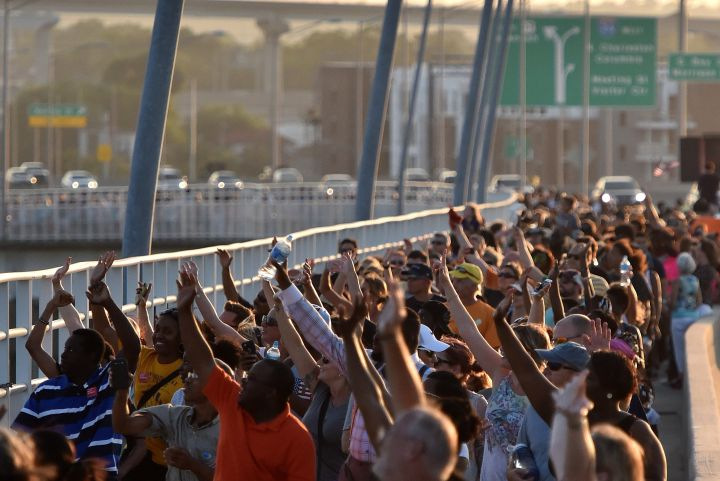 #CharlestonUnited: Thousands March And Join Hands In Memory Of The 'Emanuel Nine' [PHOTOS]