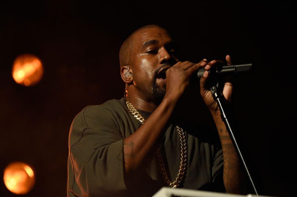 2015 iHeartRadio Music Festival - Night 1 - Show