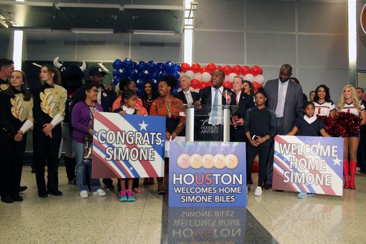 Simone Biles Arrives In Houston