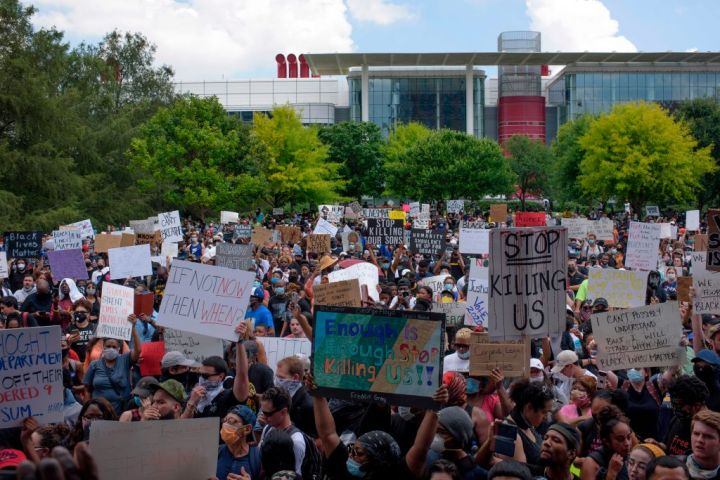 Gathering In Discovery Green